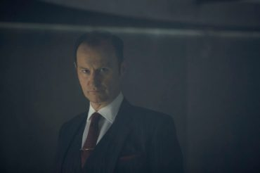 WARNING: Embargoed for publication until 00:00:01 on 10/01/2017 - Programme Name: Sherlock - TX: 15/01/2017 - Episode: Sherlock S4 - Ep3 (No. 3) - Picture Shows: **STRICTLY EMBARGOED UNTIL 10TH JANUARY 2017** Mycroft Holmes (MARK GATISS) - (C) Hartswood Films - Photographer: Robert Viglasky